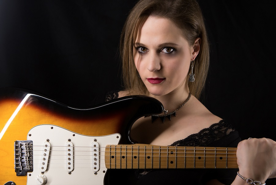 Eliana Cargnelutti - Blues Rocker from North Italy plays in West Yorkshire