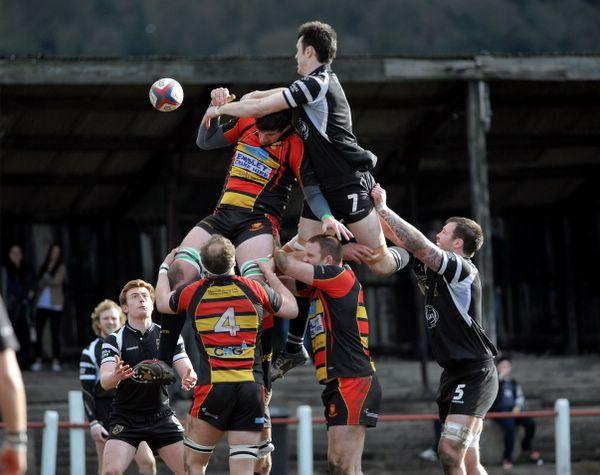 Lineout action from the derby between Otley and Harrogate