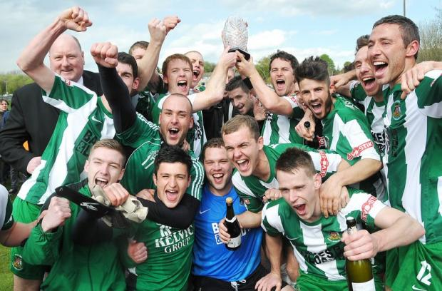 Bradford Park Avenue celebrate their UniBond League play-off victory. Now for the Blue Square Bet North!