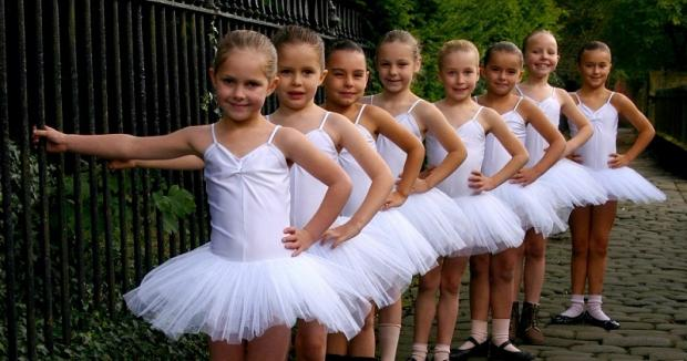 Newall School of Ballet pupils Rosie Barraclough, Katy Elder, Lilia Farnaby, Mai Maleckyj, Aimee Stott, Olivia Bradford, Matilda Hazell and Lilli Hustwick