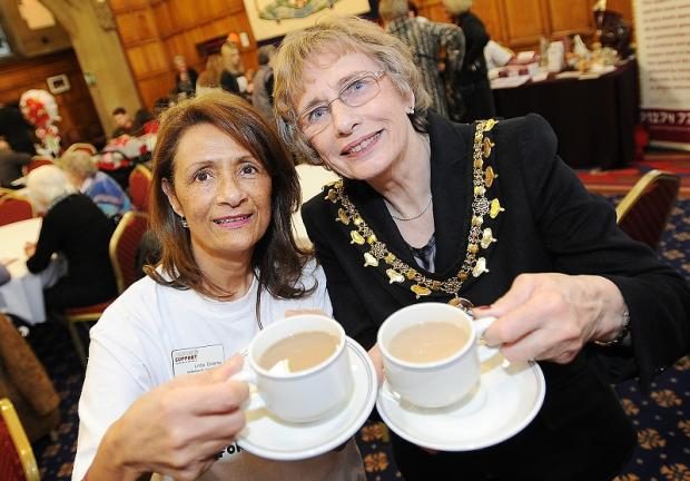 Lady Mayoress Margaret Smith with community fundraiser Linda Enderby