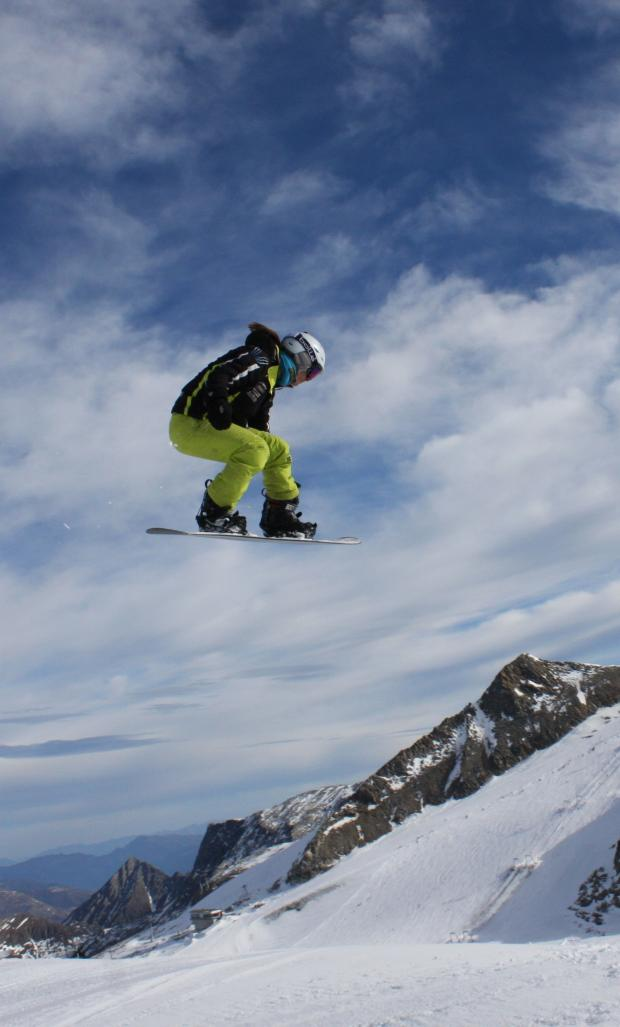 Wharfedale Observer: Snowboarder Zoe Gillings in action