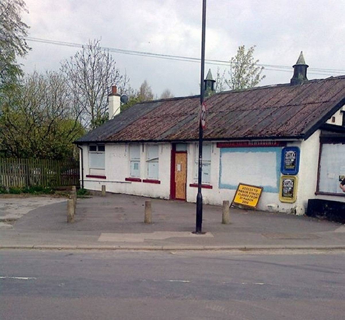 A sad and sorry state – a boarded-up Dunnies cafe on Easter Sunday, a time in years past it would have been very popular