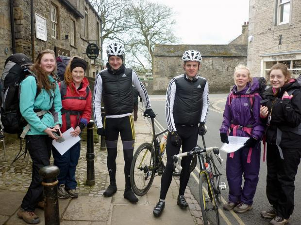 From left are Isabelle Stretton, Daisy O'Looney, Alistair Brownlee, Jonny Brownlee, Amy Rayland and Millie Bayntun
