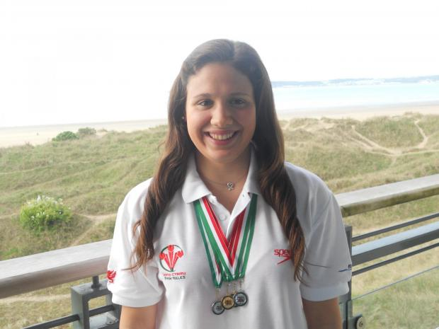 Sian Morgan swims for Wales