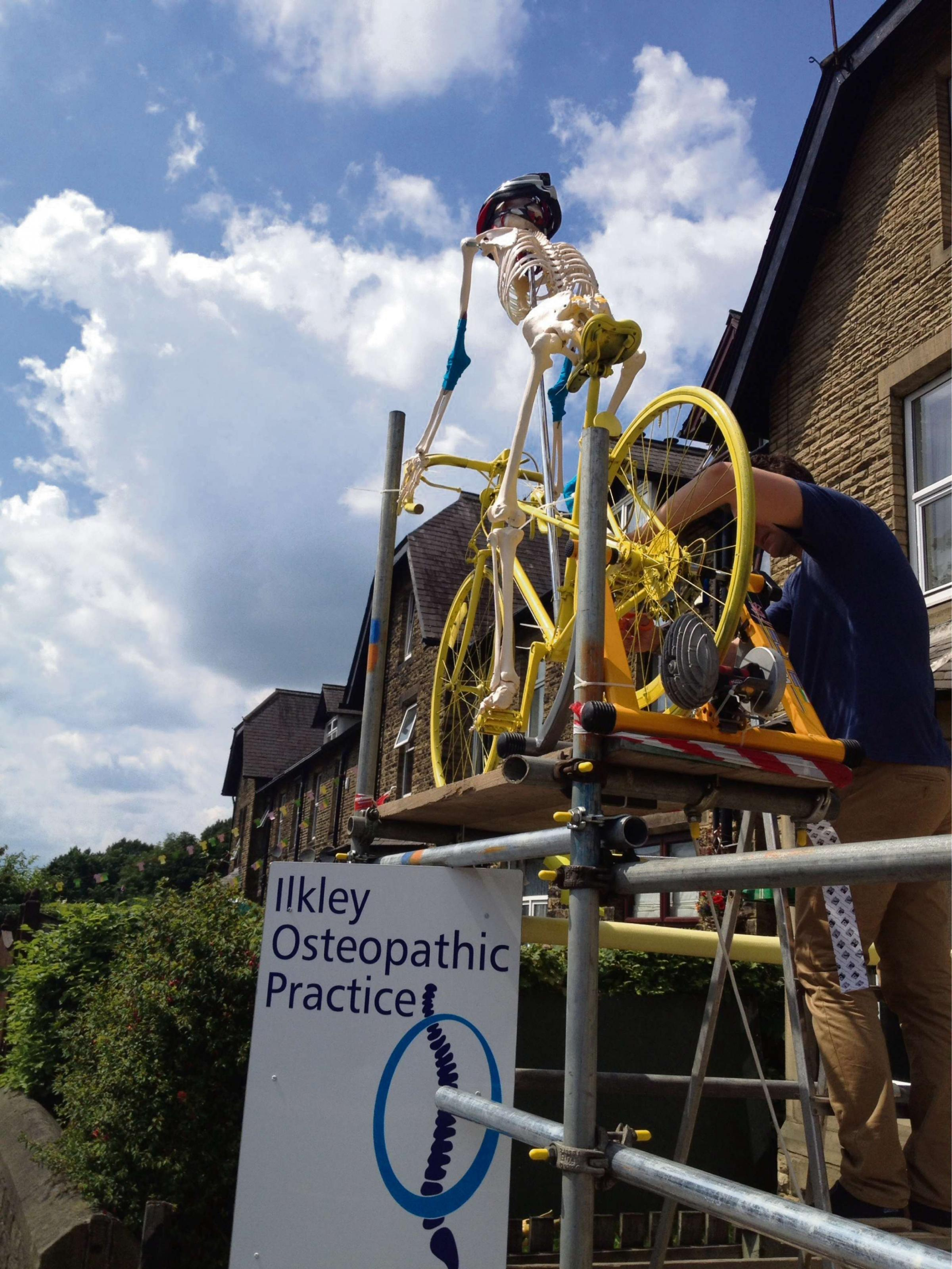 'Skeleton Steve' gets on his bike at Ilkley osteopaths for Tour de France