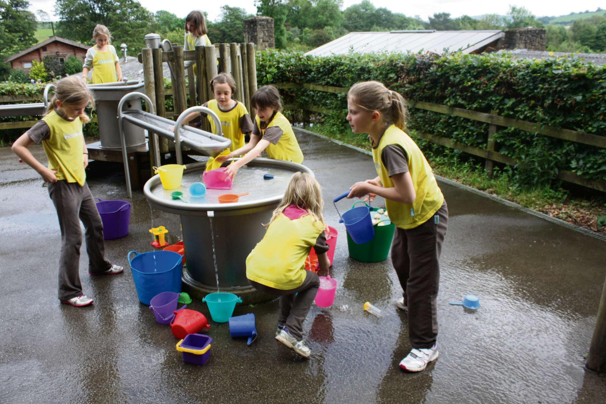 Outdoor fun for Brownie Centenary