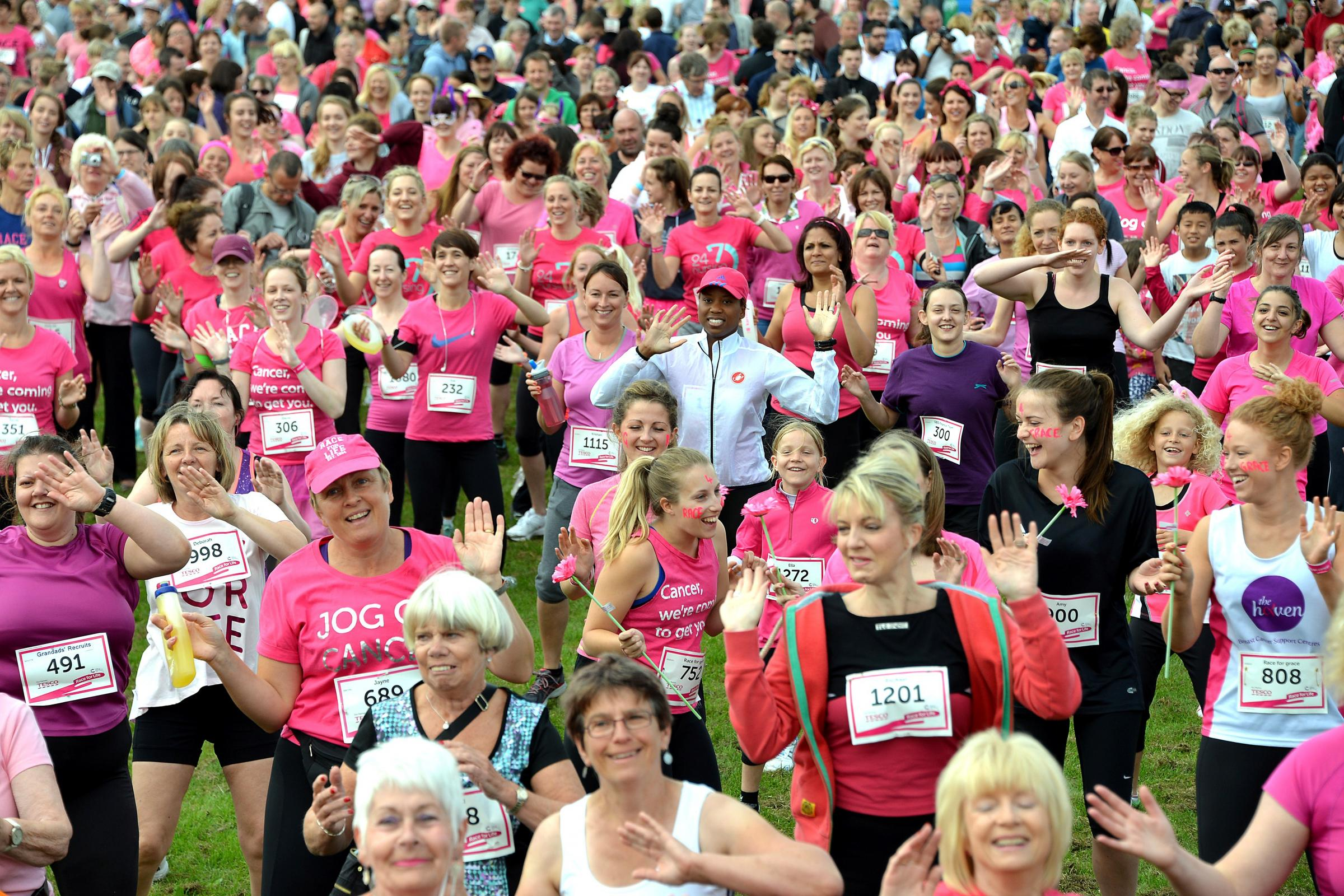 More than 1,300 women create a sea of pink during Ilkley Race for Life