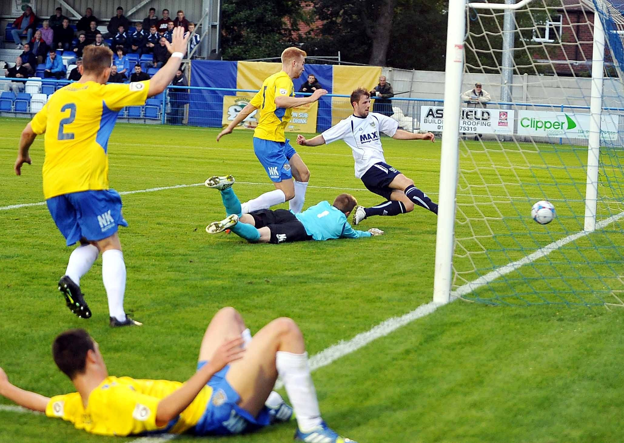 Guiseley maintain 100 per cent start