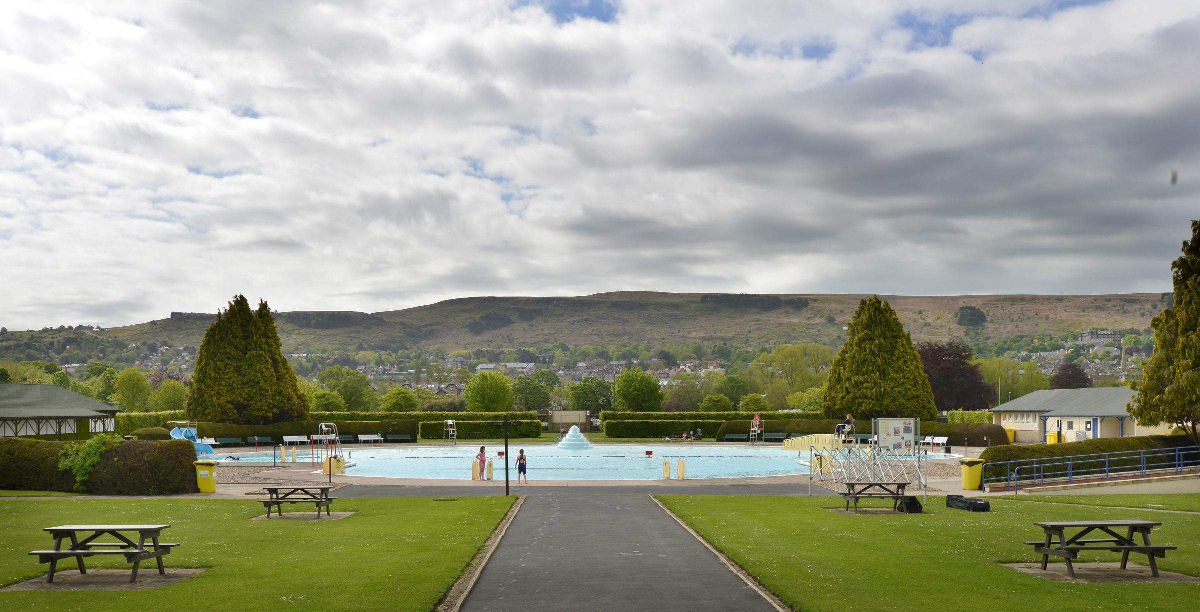 Sumer kicked off at Ilkley Lido this weekend but was tempered by a chilly which blew down from the moors putting off the predicted larger crowd of people..